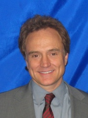Photo of Bradley Whitford