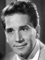 Photo of Richard Conte