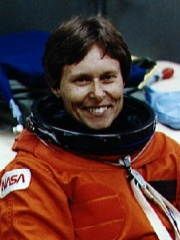 Photo of Roberta Bondar