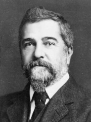 Photo of Louis Comfort Tiffany