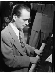 Photo of Lennie Tristano