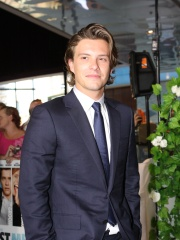 Photo of Xavier Samuel