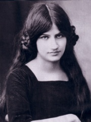 Photo of Jeanne Hébuterne