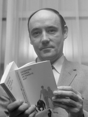 Photo of Desmond Morris