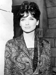 Photo of Suzanne Pleshette