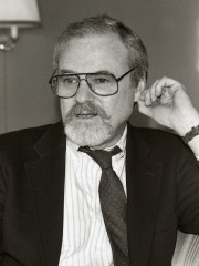 Photo of Alan J. Pakula