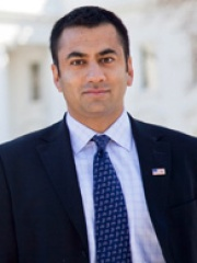 Photo of Kal Penn