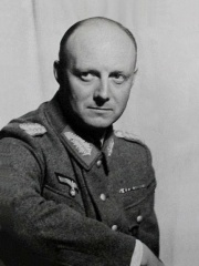 Photo of Henning von Tresckow