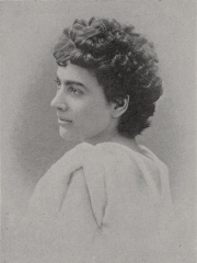 Photo of Lizzie Magie