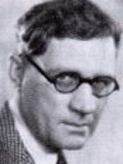 Photo of Lloyd Bacon